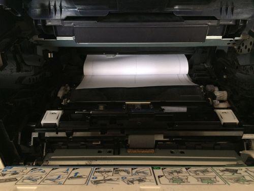 Почему принтер не захватывает бумагу и как решить проблему
