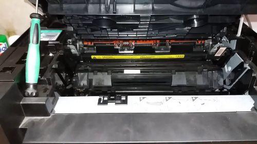 Осмотр принтера внутри