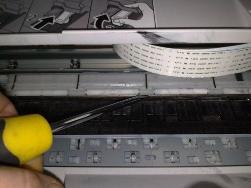 Почему принтер зажевывает бумагу, и как этого избежать