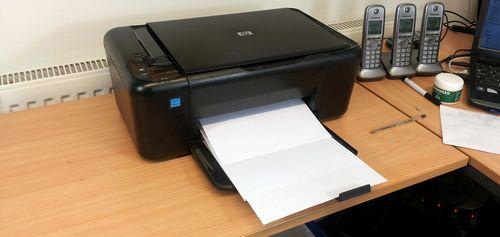 Принтер печатает белые листы
