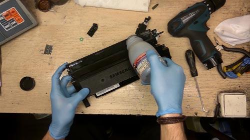 Как заправить тонер для принтеров ведущих марок