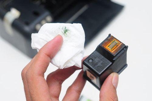 Почему после заправки принтер плохо печатает?