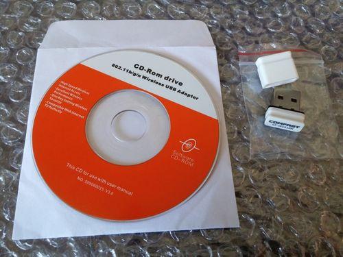 Компакт-диск с драйвером и флешка